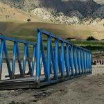 پایان عملیات نصب پل فلزی شاهیوند/ شرق و غرب کشکان به هم وصل شد