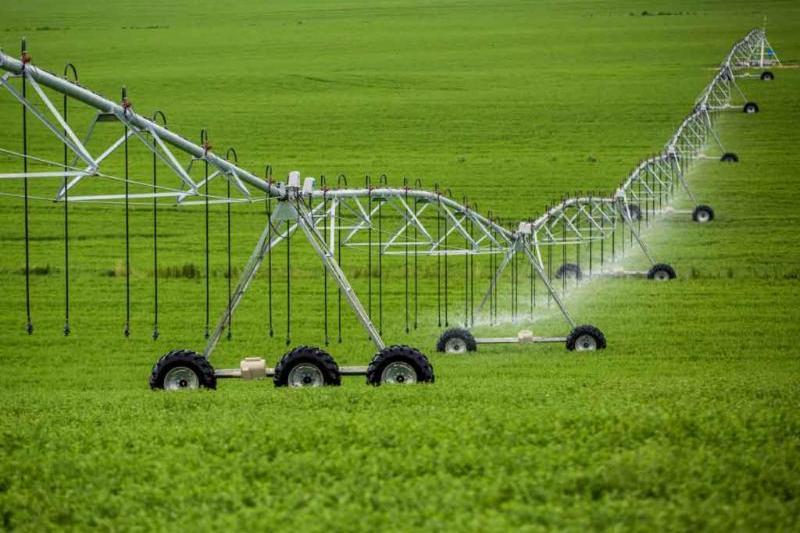 سیاست تشویقی دولت برای یکپارچه سازی اراضی کشاورزان/ ۸۵ درصد هزینه های پروژه های آبیاری نوین پرداخت می شود