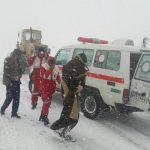 نجات جان سه معلم زحمت کش از برف وکولاک در گردنه فرسش الیگودرز