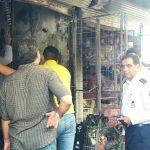 مهار آتش سوزی بازار روز توسط آتش نشانان خرم آبادی