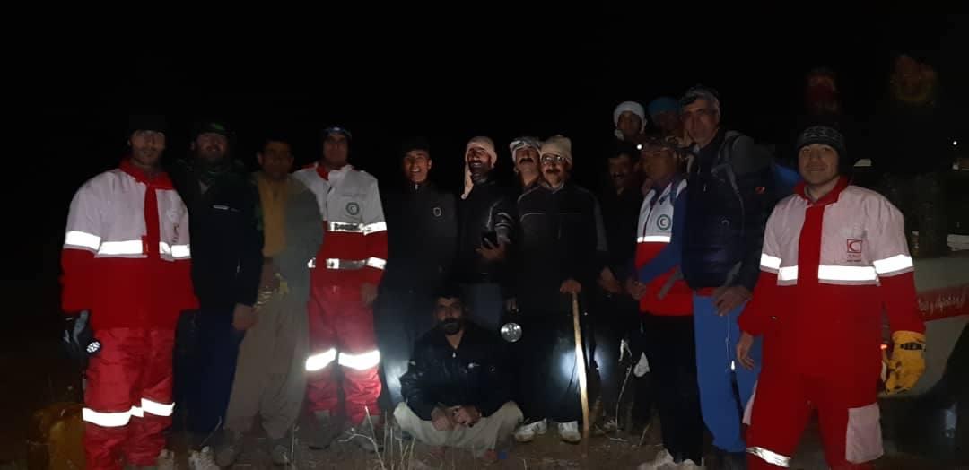 نجات جان یک کوهگرد در ارتفاعات تمندر الیگودرز