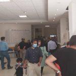 تجمع مقابل بیمارستان عشایر برای ثبت نام واکسن نبوده بلکه برای تزریق واکسن بیماران خاص و سرطانی بود