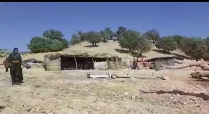 """آقای فرماندار گناه مردم """"احمدآباد"""" چه بود؟! / اهالی این روستا سه سال است که در فقر و محرومیت زندگی میکنند"""